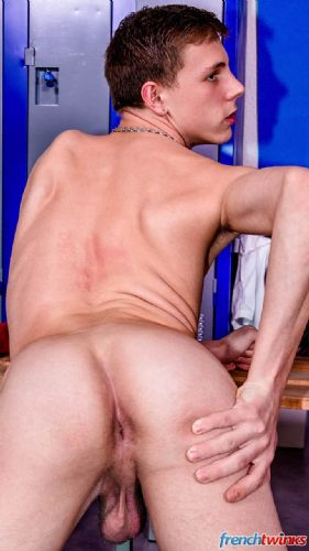 Twink in the lockers 5