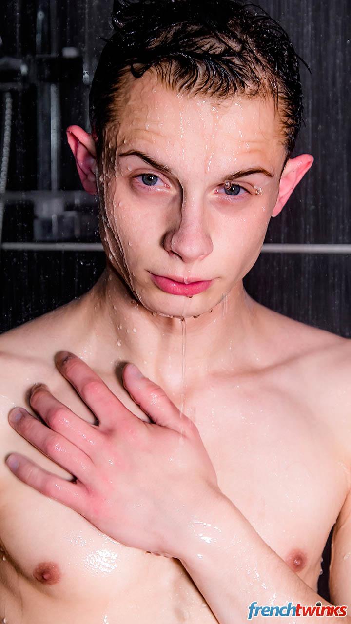 homo sous la douche depucelage d un jeune gay