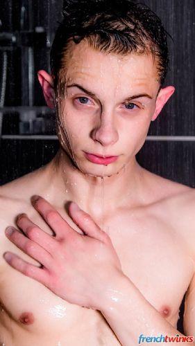 Rejoins moi sous la douche 3