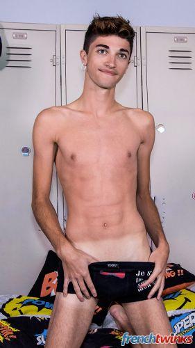 Gay Twink Porn Model Mattéo Lavigne 7