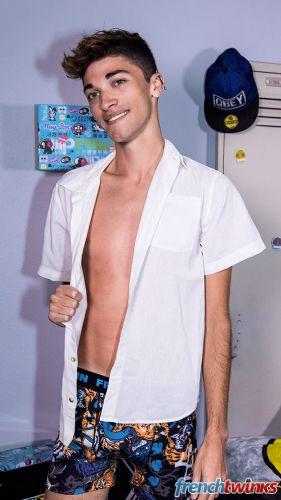 Gay Twink Porn Model Mattéo Lavigne 9
