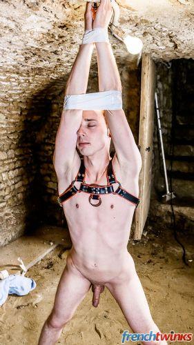 Gay Twink Porn Model Renaud 17