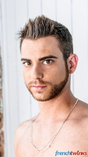 Acteur porno gay Romain 1