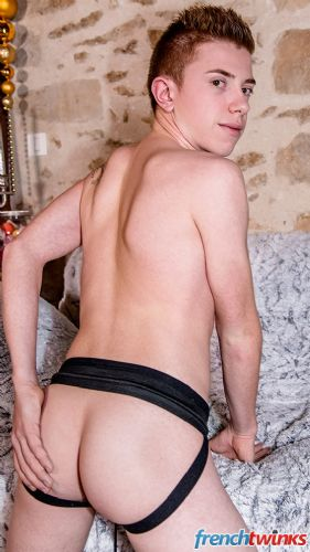 Gay Twink Porn Model Tom Clover 6
