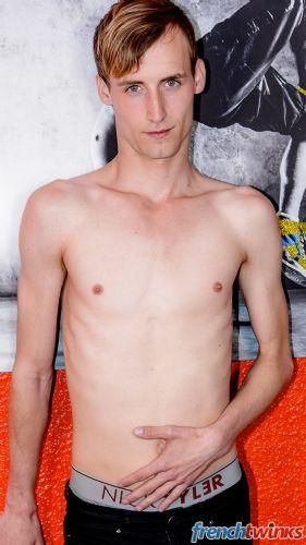 Gay Twink Porn Model Valentin Dixon 3