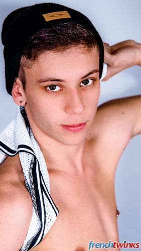 Gay Twink Porn Model Xavier Sibley 4